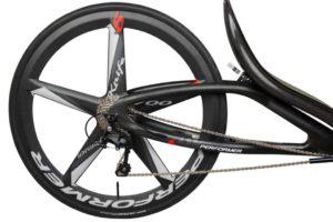 Dieses Bild hat ein leeres Alt-Attribut. Der Dateiname ist carbon-fiber-trike-wheels-1024x683-1-300x200.jpg